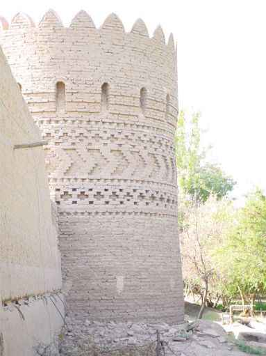 Dowlatabad Garden's Watchtower